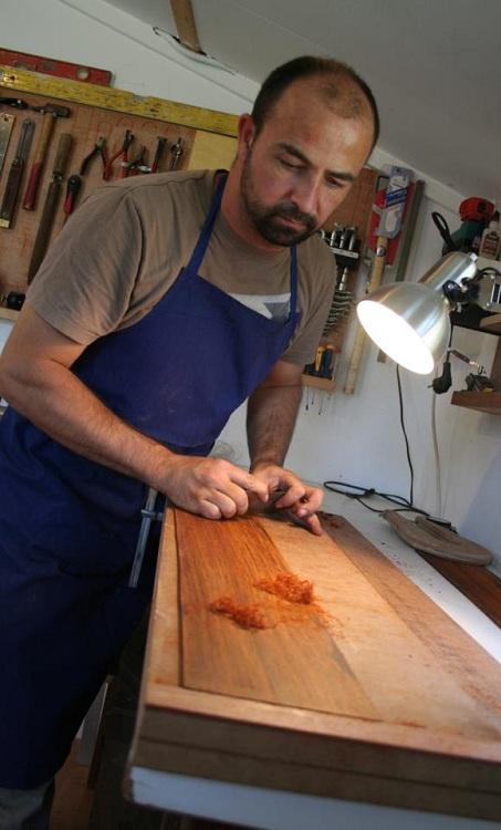 Jérémie, artisan luthier en bretagne